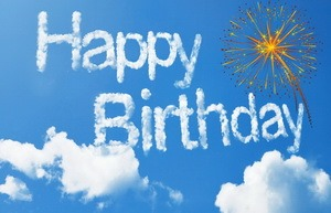 Открытка Happy Birthday, небо, надпись