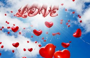 День всех влюбленных, сердечки в небе