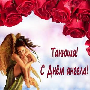 Ангел в красивом оформлении из роз